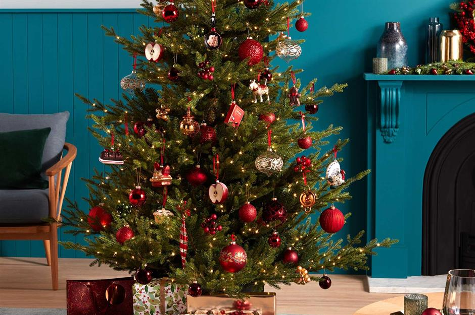Prominent tips to keep your Christmas tree fresh and vibrant